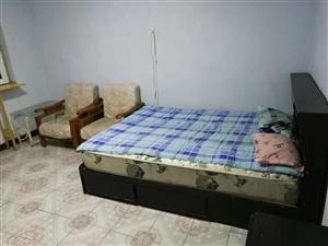 六合里2室 1厅 1卫900元/月