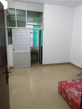 砖文3楼1室 1卫,配有空调床热水器,有厨房