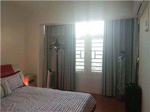 豪华装修龙翔国际3室 2厅 2卫3000元/月