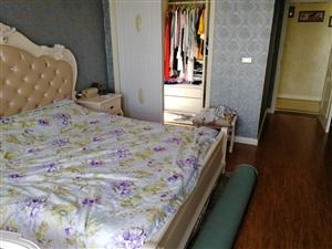 蓝山郡3室 2厅 2卫65.8万元