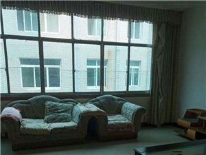 三台山小区3室 2厅 1卫950元/月