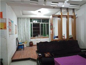 园丁小区老装修3室 3厅 1卫1200元/月