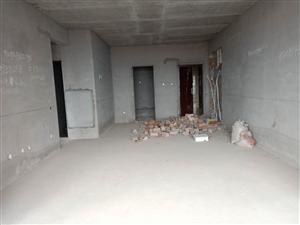 永兴国际29楼送车位4室 2厅 2卫88.8万元
