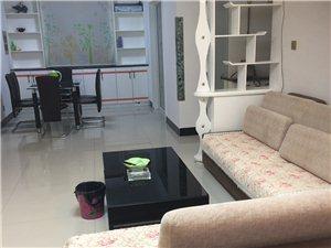 朝晖小区精装一楼3室 2厅 1卫3500元/月