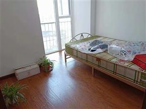 金马花园7楼2室 1厅 1卫1500元/月