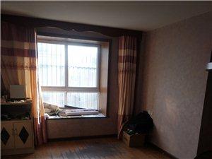 万宇小区5室 2厅 2卫75万元
