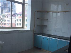 边贸3室 2厅 1卫1400元/月