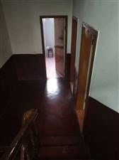 梦笔天地房 三层半6室 1厅 3卫126万元