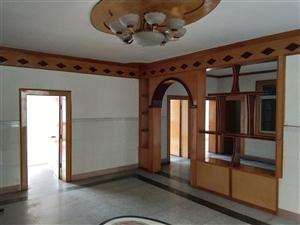 交通局宿舍楼4室 2厅 2卫52.8万元