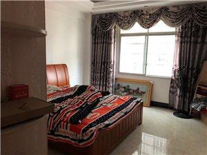 凤鸣街3室 2厅 2卫55万元