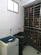 宝龙旁有电梯,一房一厅一阳台仅租850元/月