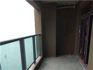 东麓国际4室 2厅 2卫63.8万元