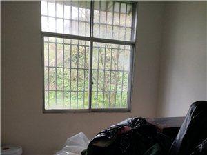 南街4室 2厅 1卫1000元/月