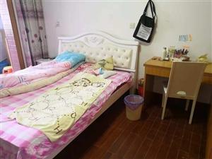 滨江小区3室 3厅 1卫130万元