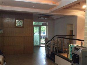 阳光花园4室 2厅 2卫63.8万元