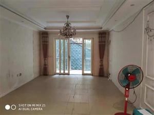 领秀边城1楼,超大三室出租,价格9800一年