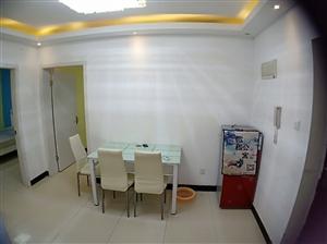 东方康安家园3室 1厅 1卫6000元/月