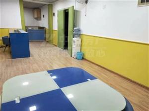 写字楼新景商业广场5室 2厅 2卫5600元/月