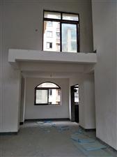 山台山清水洋房洋房楼中楼 朝泳池 赠送两个大露台
