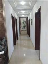 业主急售西区精装房4室 2厅 2卫2万元