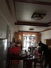 县城中心,一楼带杂间,5分钟生活圈