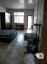栋房出租水东市场5室 2厅 3卫2600元/月