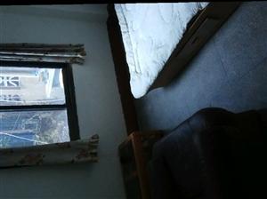 长宁镇中心卫生院内宿舍楼2室 1厅 1卫250元/月
