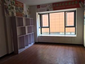 得庭财富广场3室 2厅 1卫53.8万元