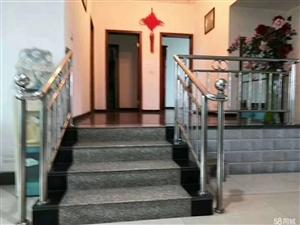 花灯广场4室 2厅 2卫47.8万元