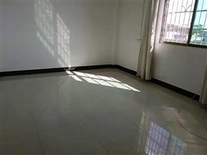 出租新生安置区自建套房680元/月