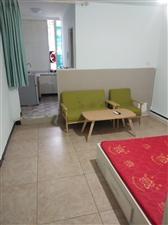 龙水河市场楼上1室 0厅 1卫750元/月