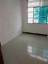 三中小区4室 1厅 1卫32.8万元