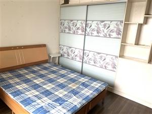 新贵之都1室 1厅 1卫2200元/月