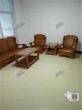 新装房出租龙鑫花园3室 1厅 1卫1500元/月