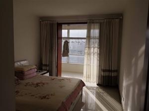 君华苑3室 2厅 1卫57.5万元