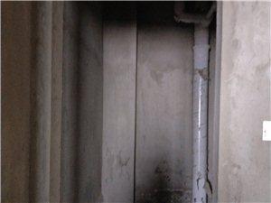 海燕鑫聚2室 1厅 2卫30万元