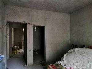 东大街附近3室 2厅 2卫39.8万元