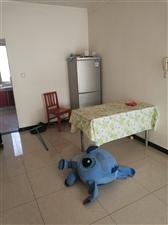 华海明珠两居,简单家具,拎包7000/年