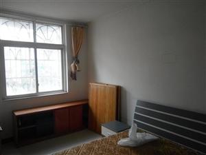 3室2厅1卫800一月