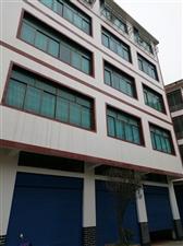 南龙集镇中心客车始发站处3室 3厅 1卫18.8万元