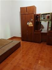 东风幼儿园3室 2厅 1卫6000元/月