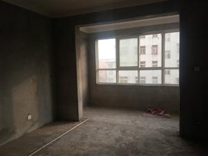 【东方聚龙苑】,自带地暖3室 2厅 2卫70万元