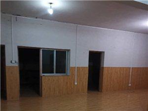 域家平4室 2厅 2卫1200元/月