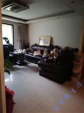 龙腾锦城4室 2厅 2卫76万元