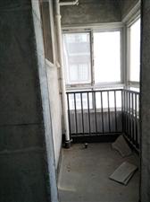 警苑小区3室 2厅 2卫110万元