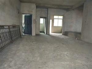 政府附近175平方4室 2厅 2卫43.75万元