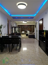 昌明街3室 2厅 1卫145平米4楼精装低价出售