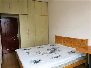 磊城3室 1厅 1卫1600元/月