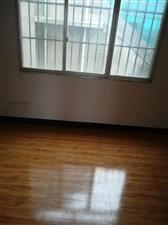 南街转盘3室 2厅 2卫29.8万元