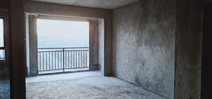 观澜湖78.36平毛坯已接房 单价低 以后的主城区